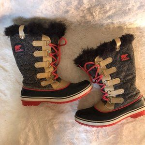 Sorel Joan of arctic lace up boots women's size 11